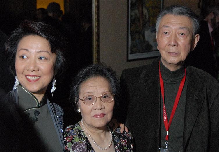 Henry O, Ji-Li Jiang, Mrs. Jiang, photo by Ronald Saunders